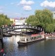 Londra, waterbus sul canale di Camden