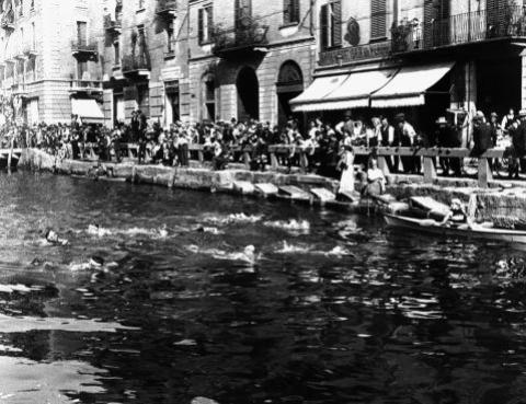 1° maggio sul Naviglio - da Foto Milano sparita (pagina Facebook)