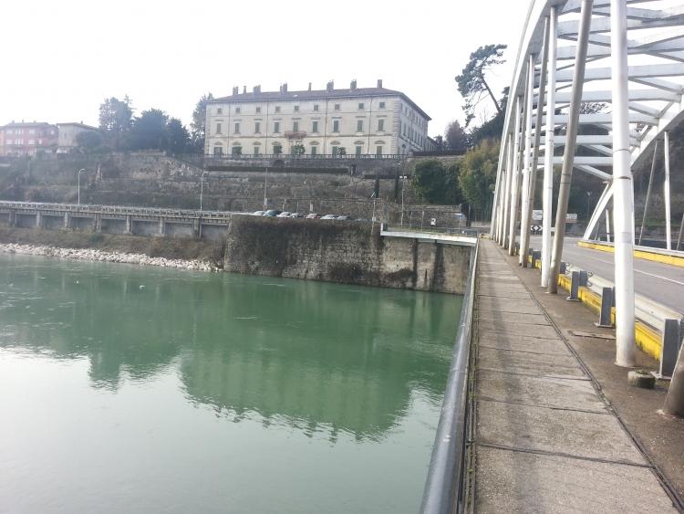 Vaprio d'Adda, Adda e sponda della Martesana all'altezza del ponte per Canonica d'Adda sotto Palazzo Melzi - 6-01-2014