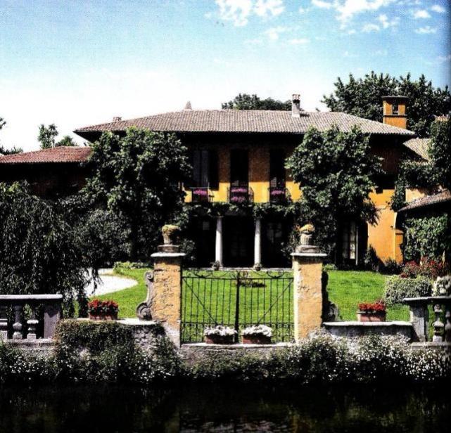 Vimodrone, villa Cazzaniga a ridosso del Naviglio