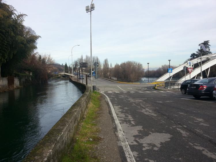 Vaprio d'Adda all'altezza del ponte per Canonica d'Adda - 6-01-2014