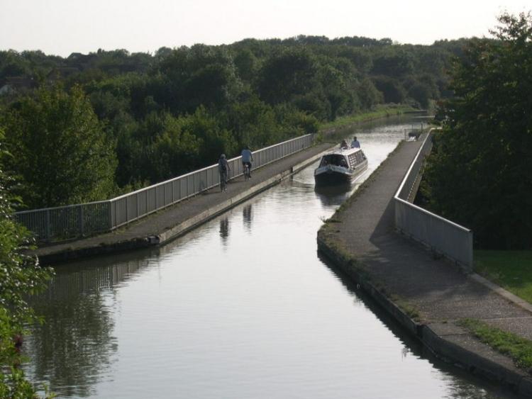 Grand Union Canal - Bradwell Aqueduct che collega Bradville con New Bradwell