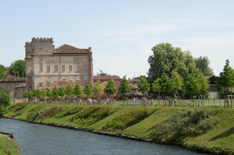Robecco sul Naviglio, palazzo Archinto