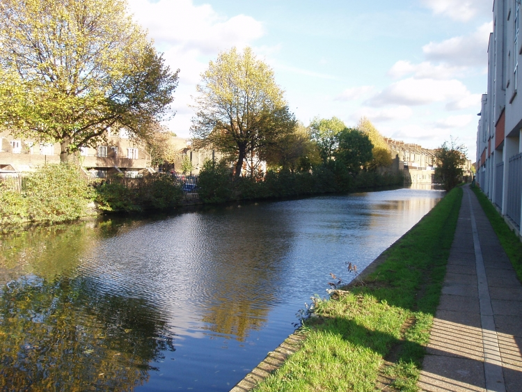 Grand Union Canal nei pressi di Westbourne Park - Londra