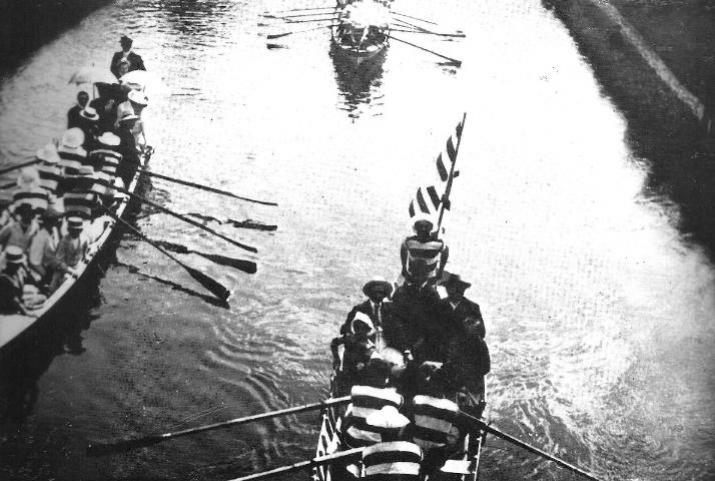 In barca sul Naviglio Grande negli anni Venti