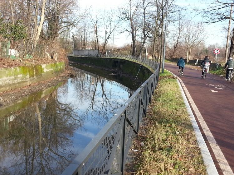 Milano, via Idro, la Martesana nella direzione del Lambro - 6-01-2014
