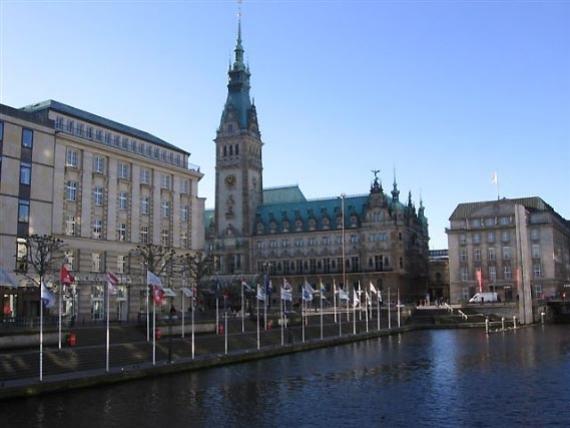 Rathaus, il Municipio e il palazzo del Governo Federale