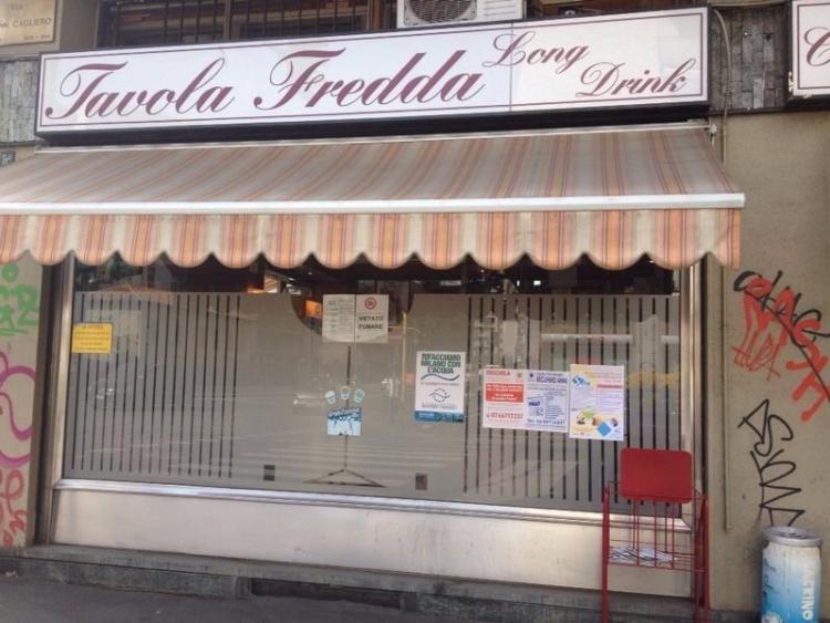 Il poster dell'Associazione al Tavola Fredda Caffè di via Cagliero